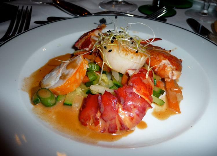 Recette d 39 une salade de saint jacques et homard - Cuisiner homard congele ...